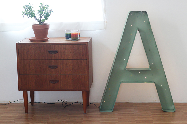 Annelies & Lucas: Marquee Letter DIY