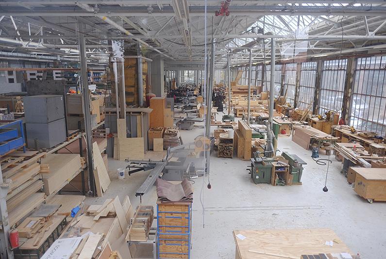ddw15_Piet-Hein_Eek_factory1