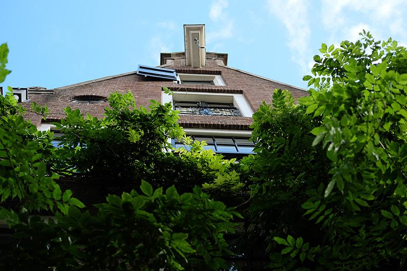 greenwalk2_canal-house-amsterdam